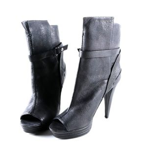 NWT 7 for all Mankind black booties